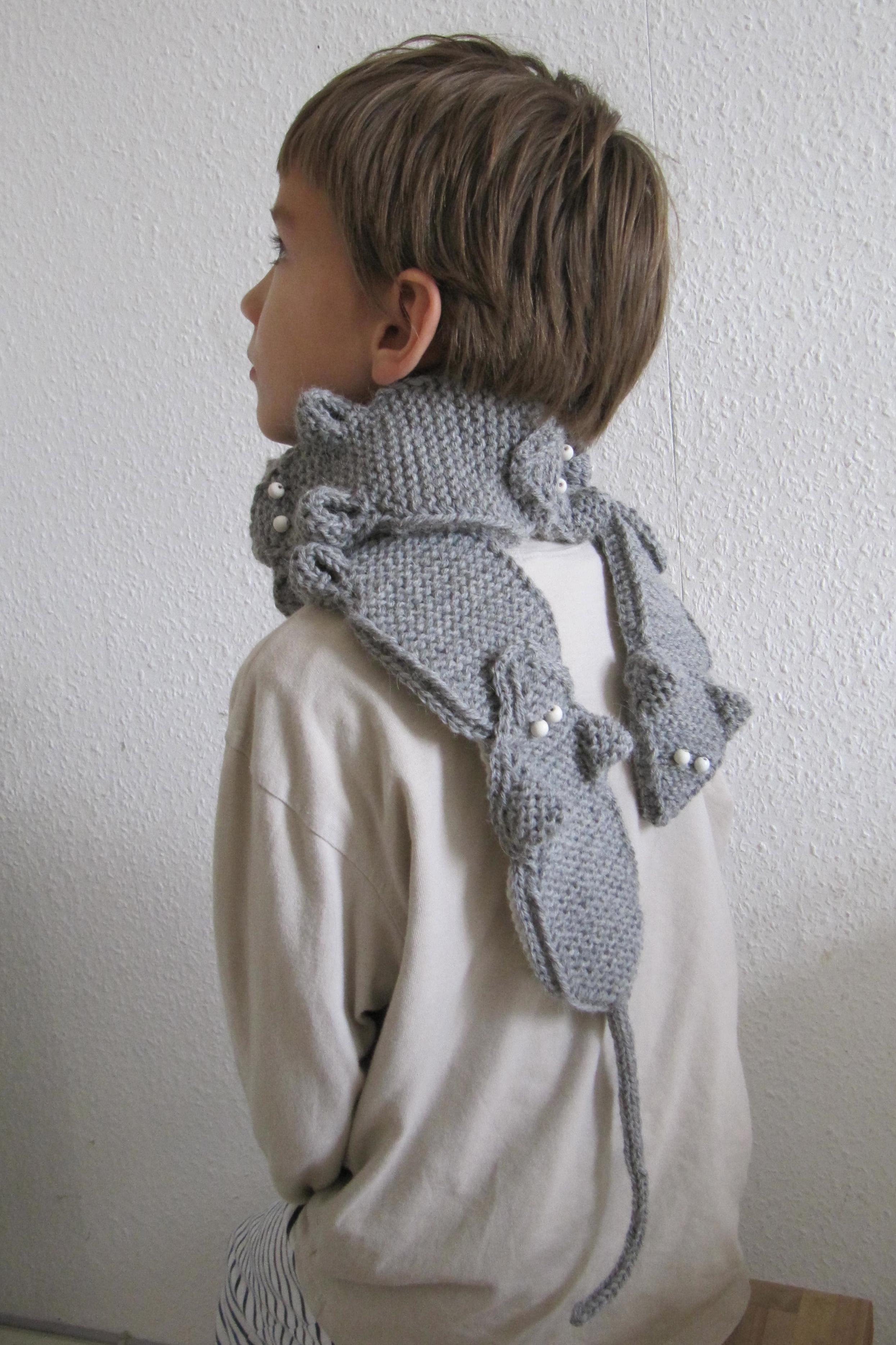 Knitting Patterns Animal Scarves : animal scarf Hakelmonster