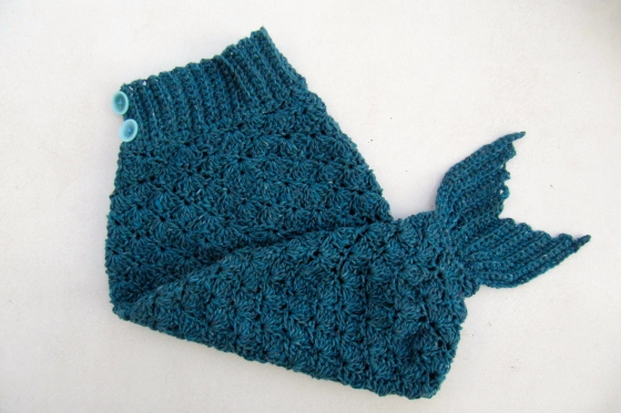 Knitting Pattern Fishtail Blanket : Book Review: Crochet at Play Hakelmonster