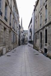Bordeaux Häkelmonster